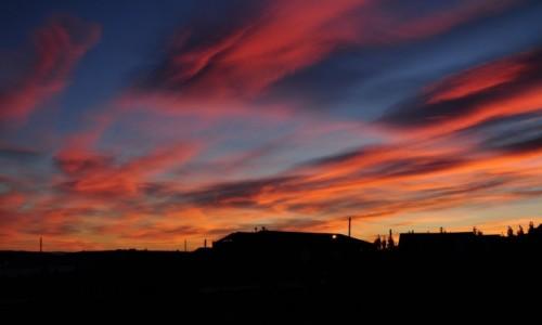 Zdjecie ARGENTYNA / Patagonia / El Calafate / Wschód słońca nad El Calafate