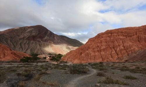 ARGENTYNA / Salta / Purmamarca / Kolorowe góry wąwozu Humahuaca