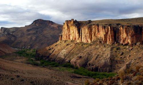 Zdjecie ARGENTYNA / Patagonia  / Cueva de las Manos / Kanion nieopodla Perito Moreno