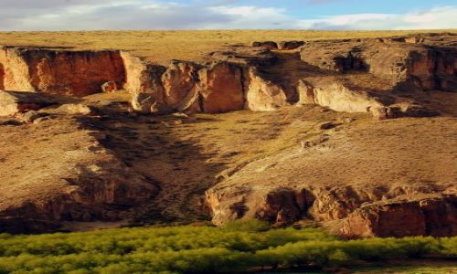 Zdjecie ARGENTYNA / Patagonia  / Cueva de las Manos / ciut wawozu