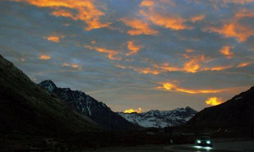 Zdjecie ARGENTYNA / Mendoza / Andes mountains range / plona gory . . .