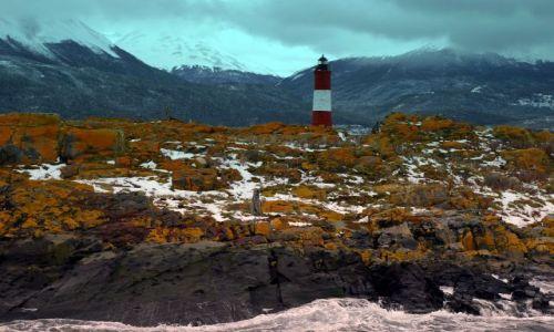 Zdjecie ARGENTYNA / Tierra Fuego  / Kanal Beagle  / latarnia- - - ciemna strona wybrzeza