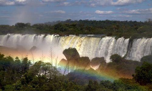 Zdjecie ARGENTYNA / - / Puerto Iguazu / z tecza w tle