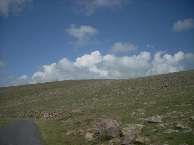 Zdjęcia: Wulkan Aragars (4090 m) najwyzsza gora Armenii, W drodze na Aragats 2, ARMENIA