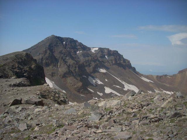 Zdj�cia: Wulkan Aragats (4090 m) najwyzsza gora Armenii, Widok na zachodni wierzcho�ek (4080 m ), ARMENIA