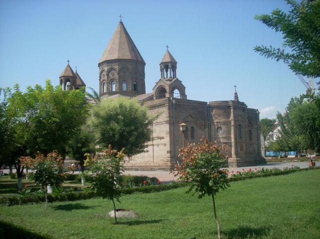 Zdj�cia: Eczmiadzyn tzw. ormianski Watykan, Glowna katedra w Eczmiadzyn, ARMENIA