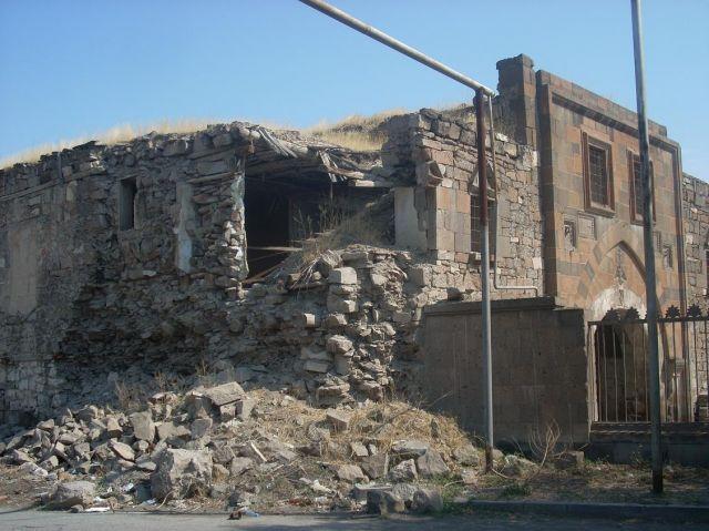 Zdjęcia: Eczmiadzyn tzw. ormianski Watykan, Inne oblicza Eczmiadzyn, ARMENIA