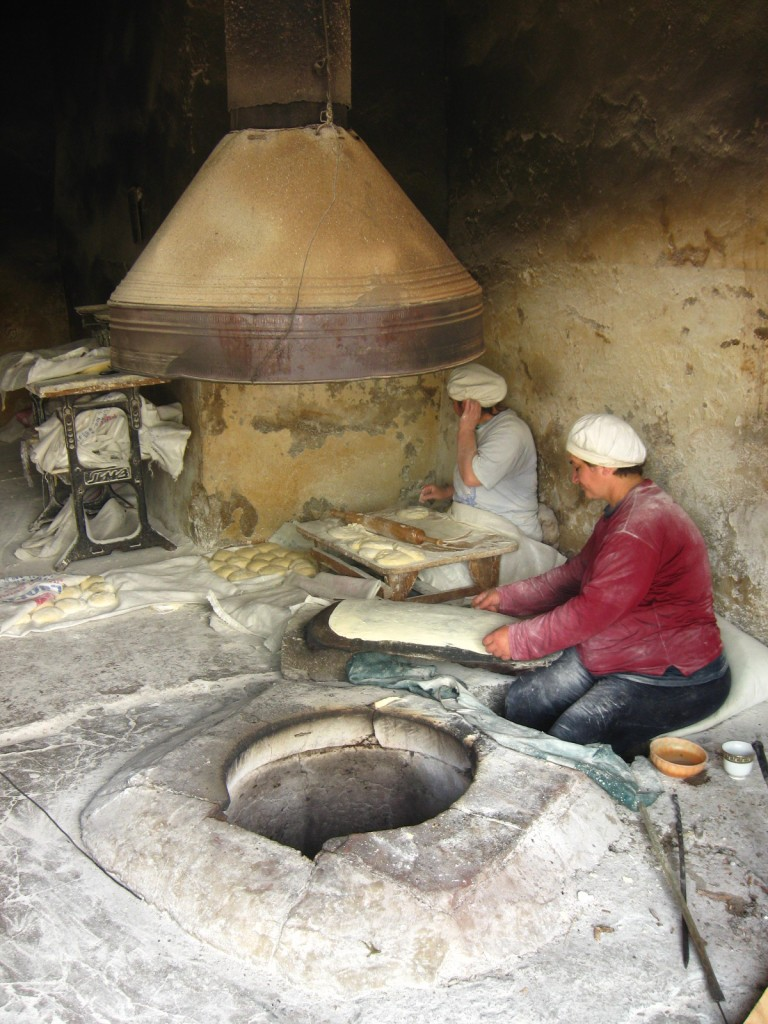 Zdjęcia: Armenia , W pracy..., ARMENIA
