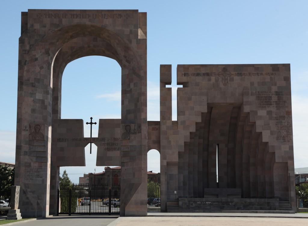 Zdjęcia: Eczmiadzyn, Armavir, Ołtarz papieski, ARMENIA