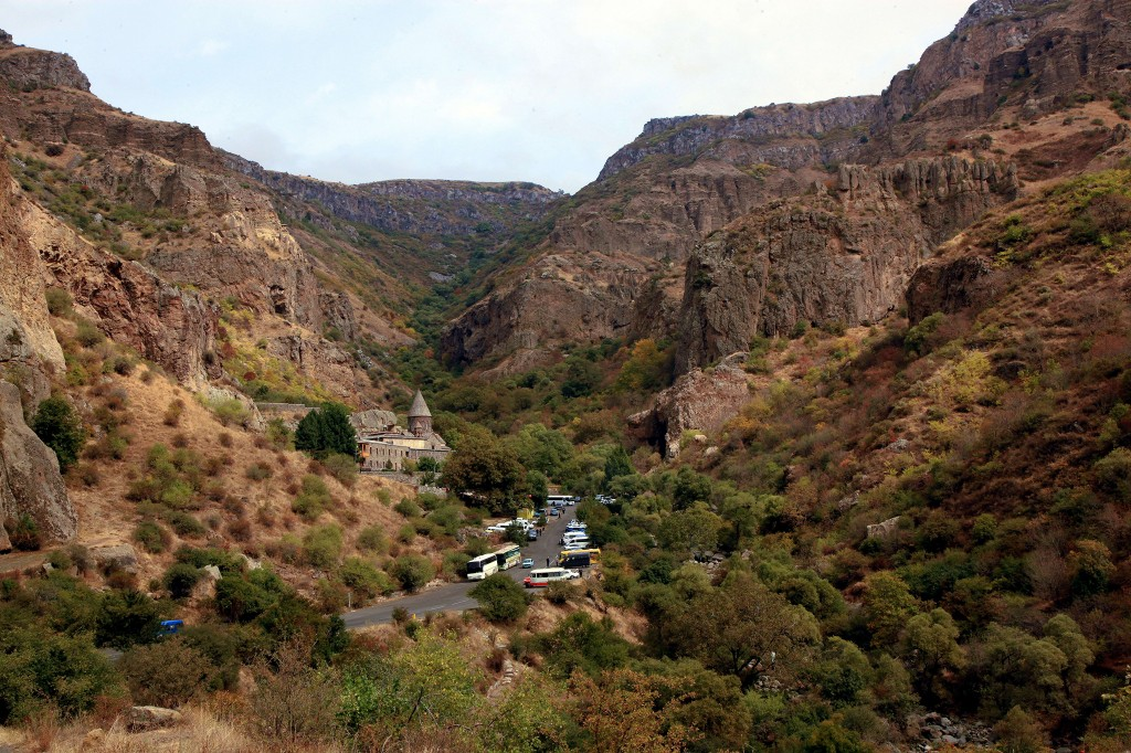 Zdjęcia: Geghard, Kotajk, Droga do klasztoru, ARMENIA