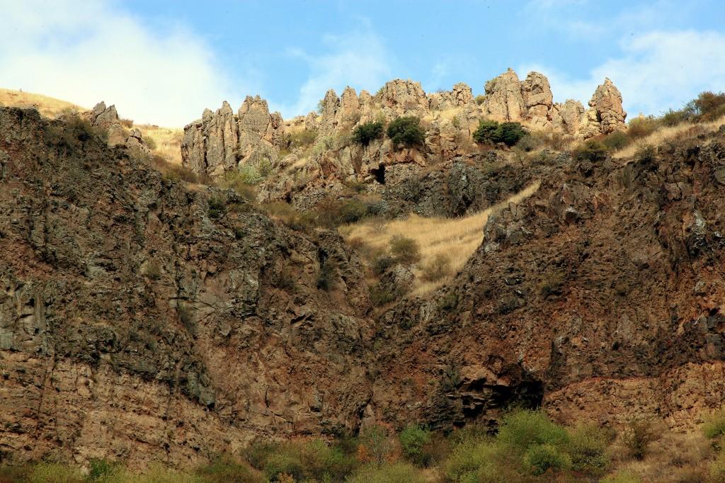 Zdjęcia: Geghard, Kotajk, Skalny grzebień, ARMENIA