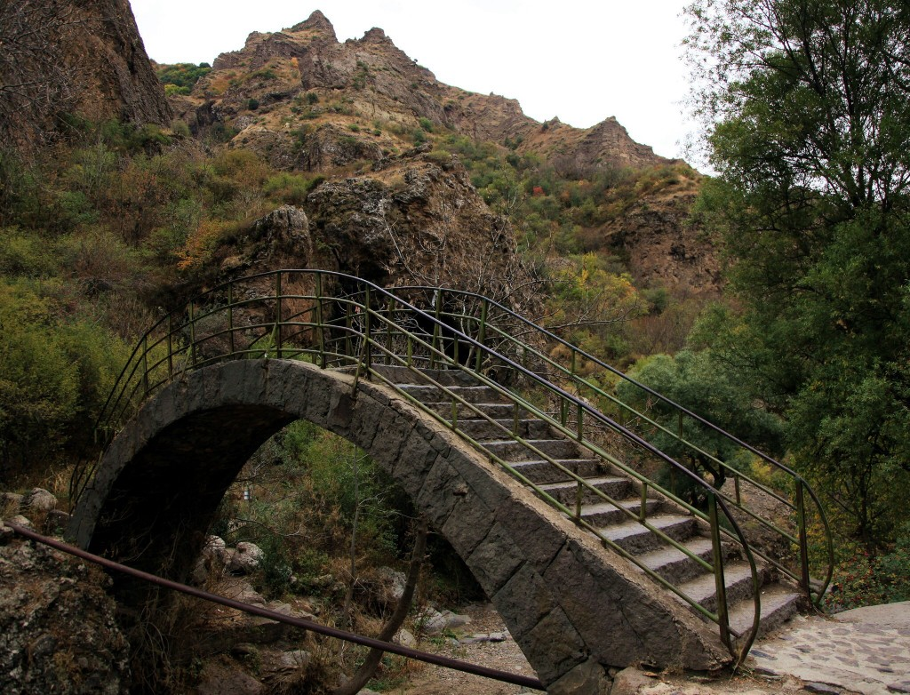 Zdjęcia: Geghard , Kotajk, Mostek, ARMENIA