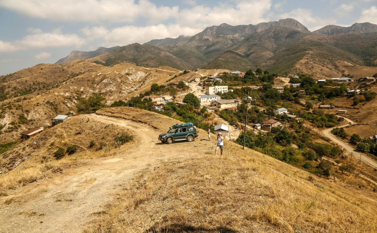 Zdjęcia: Górski Karabach, Arcach, Jedna z wielu wsi..., ARMENIA
