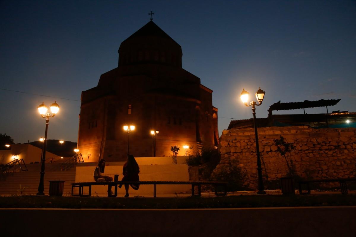 Zdjęcia: Górski Karabach, Arcach, Stepanakert nocą...., ARMENIA