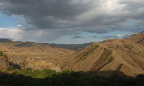 Zdjecie ARMENIA / prowincja Kotajk / Garni / dolina rzeki Azat
