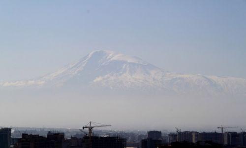 Zdjecie ARMENIA / Erywań / Erywań / Miasto i góra