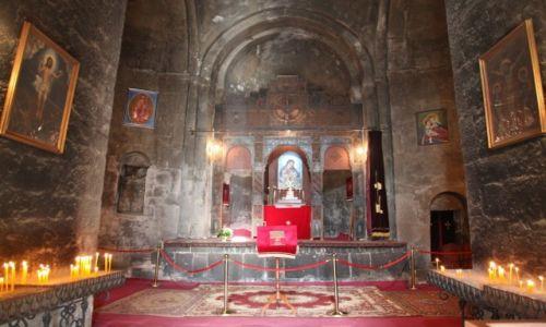 Zdjęcie ARMENIA / Gegharkunik / Sevanvank / Wnetrze świątyni Arakelots Surb