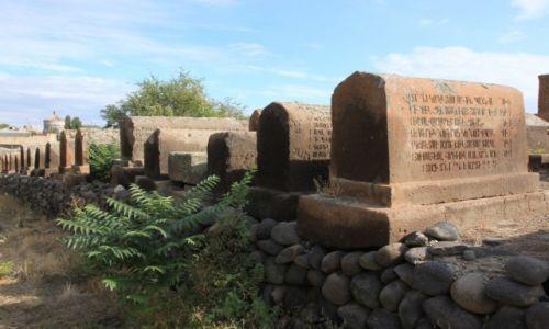 Zdjęcie ARMENIA / Armavir / Eczmiadzyn / Cmentarz obok monastyru Św. Gayane