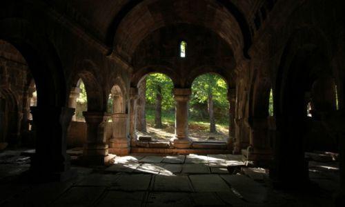 Zdjęcie ARMENIA / Lori Marz  / Sanahin / Klasztor w Sanahin