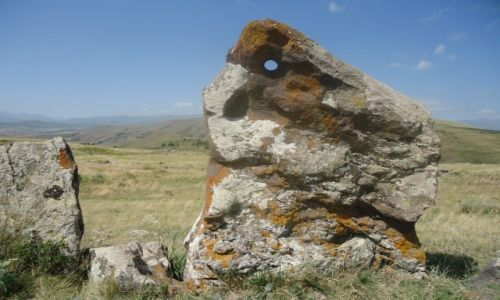 Zdjęcie ARMENIA / Sjunik / okolice Sisjan / Zorac Karer (2)