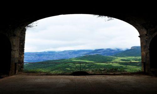 Zdjęcie ARMENIA / prowincja Syunik / wioska Tatev / Okno