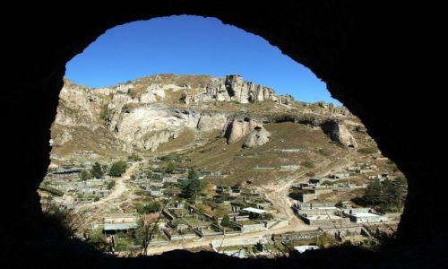 Zdjęcie ARMENIA / Sjunik  / Stare Goris / Widok z niegdyś mieszkalnej jaskini