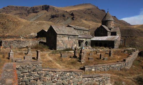 Zdjecie ARMENIA / Sisian / Vorotan / Klasztor Worotnavank