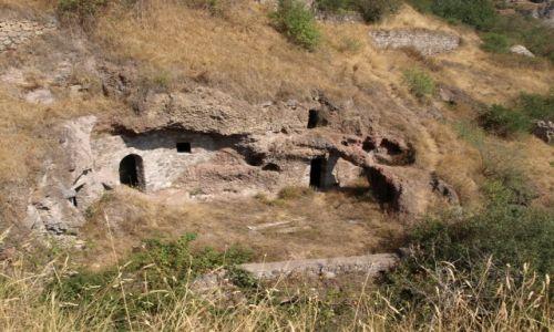Zdjęcie ARMENIA / Goris / Stary Khandzoresk / Skalne mieszkanie - opuszczona skalna osada Stary Khandzoresk