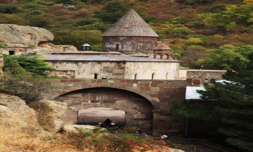 Zdjęcie ARMENIA / Kotajk / Geghard / Geghardavank, czyli Klasztoru Włóczni