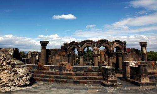 Zdjęcie ARMENIA / Eczmiadzin / Zvartnots / Ruiny katedry z VII wieku n.e.