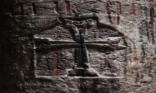 Zdjęcie ARMENIA / Kotajk / Geghard / Chaczkar z kaplicy wykutej w skale
