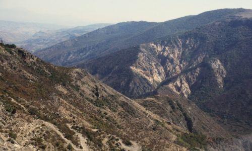 Zdjęcie ARMENIA / Sjunik / Stare Goris / Góry na granicy z Górskim Karabachem