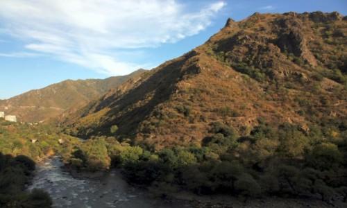 Zdjęcie ARMENIA / Lori Marz / Alaverdi / Nad rzeką Debed