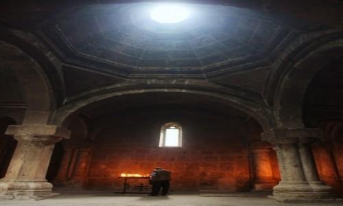 Zdjęcie ARMENIA / Tawush - Diliżan  / Klasztor w Hagarcin / Pamięć
