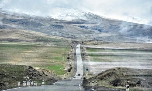 Zdjecie ARMENIA / - / gdzieś w regionie Sjunik / On the way to Tatev Monastery