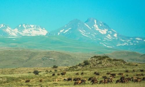 ARMENIA / - / okolice Jeziora Sewan / Armeńskie widoki