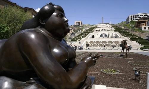 Zdjecie ARMENIA / Erewań / Erewań / Ekspozycja rzeźb przed Kaskadami w Erewaniu