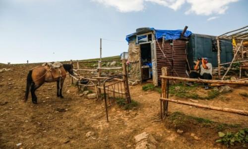 Zdjecie ARMENIA / ok.  Margahovit / mdzy Margahovit a Meghradzor / W obozie koczowników