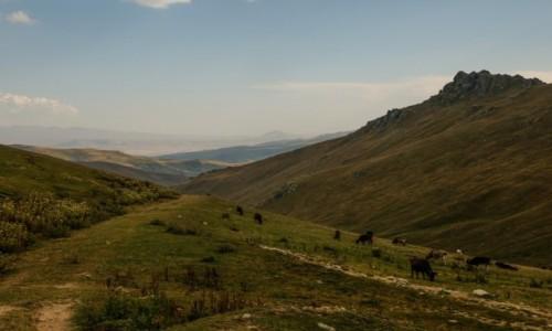 ARMENIA / przełęcz / mdzy Margahovit a Meghradzor / Pora odjezdżać....