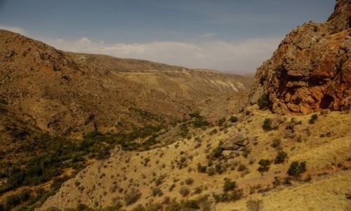 Zdjecie ARMENIA / płd. - wsch. Armenia / wąwóz rzeki Arpa / W drodze do Norawank