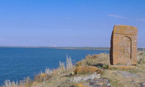 Zdjecie ARMENIA / Armenia / Sewan / Chaczkar nad je