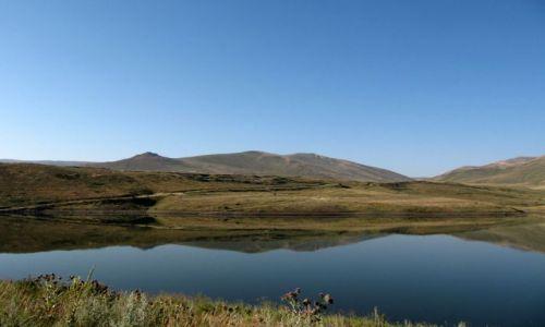 Zdjecie ARMENIA / Na płn od Kapan / widok z drogi /  Jezioro Artsvanik