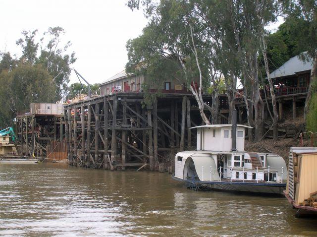 Zdjęcia: Echuca, Victoria, Zabytkowy, drewniany port w Echuca, AUSTRALIA