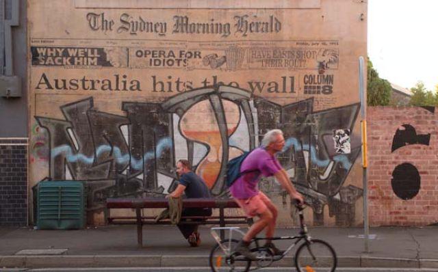 Zdj�cia: Sydney, Newtown, Nowa Po�udniowa Walia, Czekaj�c na autobus, AUSTRALIA