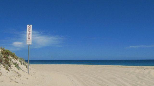 Zdjęcia: plaża, Busselton, znaki na plaży, AUSTRALIA