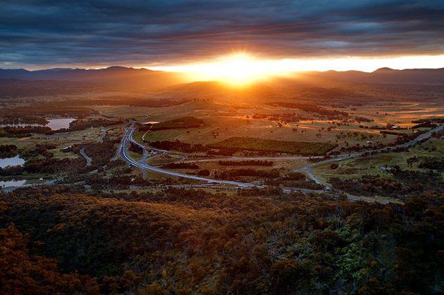 Zdjęcia: zachodnie przedmiescia, Canberra, zachod  nad przedmiesciami Canberra, AUSTRALIA