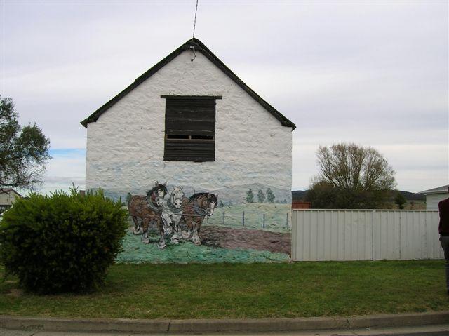 Zdjęcia: Terrigal country town, Wsch. Australia, Zabytkowa stajnia z 18..., AUSTRALIA