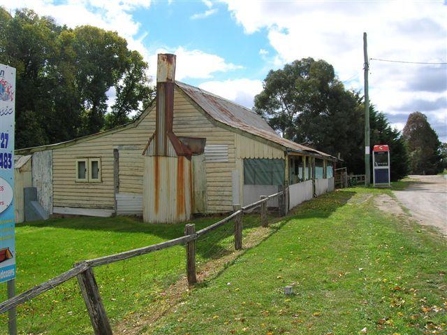 Zdjęcia: Nerriga, NSW, Zabytkowy domek z kominkiem, AUSTRALIA