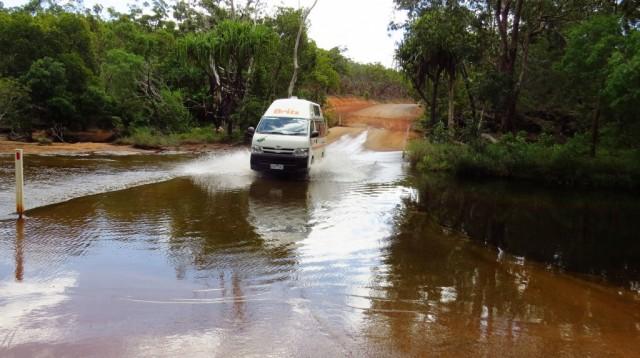 Zdjęcia:  Chillagoe, Queensland, Kamper całkiem dobrze forsował potoki, AUSTRALIA