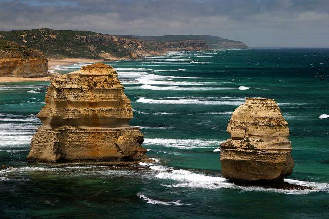 Zdjęcia: Skały 12 Apostołów, kolejnych dwóch Apostołów, AUSTRALIA